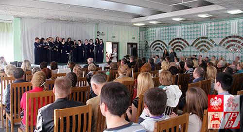 Mieszkający w Mińsku Polacy licznie przybyli na świąteczny koncert