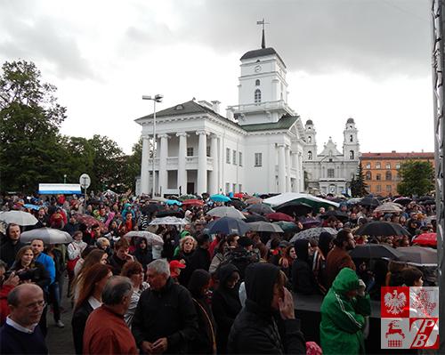 Mimo deszczowej pogody na koncerty przybyły tłumy miłośników jazzu