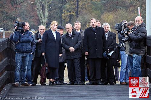 """Pierwsi """"turyści"""" bezwizowi z Polski zosatali powitani przez władze obwodu grodzieńskiego, polską dyplomację w Grodnie i media"""