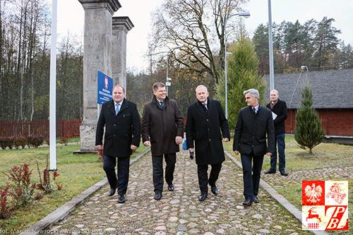 """Pierwsza grupa polskich """"turystów"""" kroczy bez wiz na Białoruś"""
